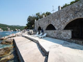 Villa Lux Meridiem Molunat & Pool - Molunat vacation rentals