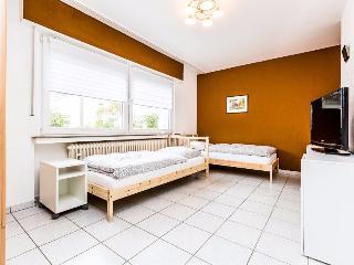 B10 Quiet apartment in Bergisch Gladbach Refrath - Delbrück vacation rentals