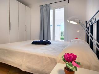 Conchiglia A with Garden on Port 6px-Santa Teresa Gallura - Santa Teresa di Gallura vacation rentals