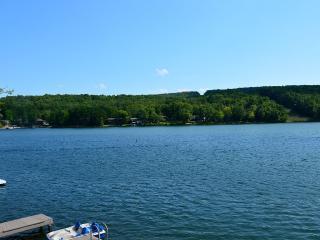 The Big Easy on Lake DeSoto! Fish/Views/Fun/Golf - Hot Springs Village vacation rentals