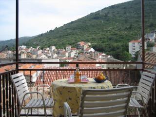 Peaceful robinson apartment B - Vis vacation rentals