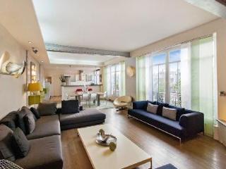 Modern Vacation Apartment at Le Haut Marais - 3rd Arrondissement Temple vacation rentals