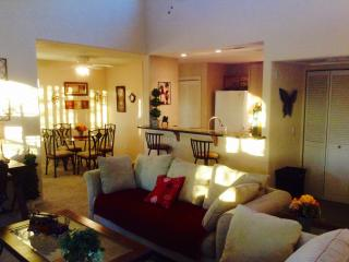 Gorgeous 2 Bed/2Bath Condo Mins From The Strip! - Las Vegas vacation rentals