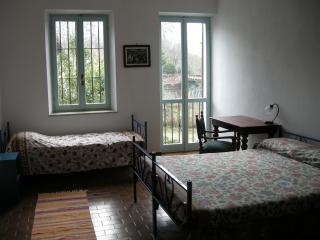 CASA NEL BOSCO (ASTI) - Serravalle d'Asti vacation rentals