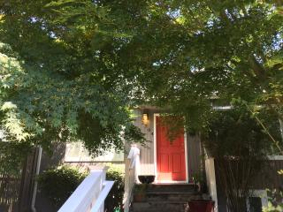 Cute, Convenient 1940's Duplex Close to Everything - Seattle vacation rentals