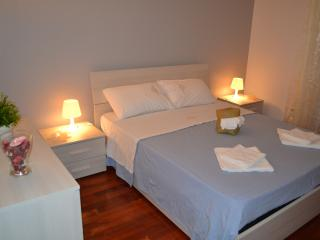 Due Passi Da Milano - Rozzano vacation rentals
