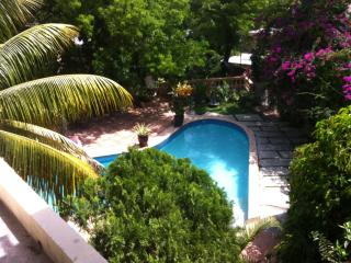 Club Oasis - Mirage Guest House 3C - Port-au-Prince vacation rentals