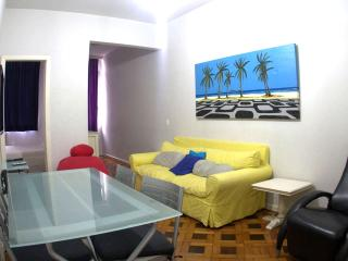 Beautiful 2 bedroom apartment. Great location in the best part of Ipanema! Cod: 2-101 - Itanhanga vacation rentals