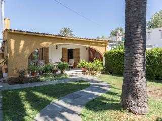 Homely house 50m. FROM THE BEACH - Puerto de Alcudia vacation rentals