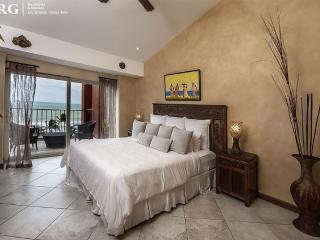 Vista Mar Beach Front Penthouse at Cocal Hotel! - Jaco vacation rentals