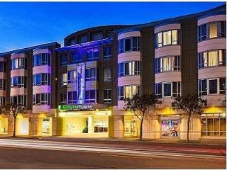 Harmonious Holiday Inn Exp & Sts San Fran - San Francisco vacation rentals