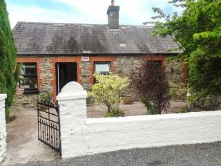 LITTLE PILMORE COTTAGE, single-storey, detached, woodburner, romantic retreat, near Youghal, Ref 922886 - Youghal vacation rentals