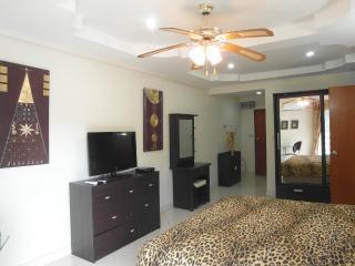 1 bedroom condo near Jomtien beach (JBC A3 F2 R13) - Pattaya vacation rentals