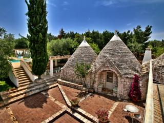 TRULLI DI BOUGANVILLE -WITH PANORAMIC VIEW - Monopoli vacation rentals