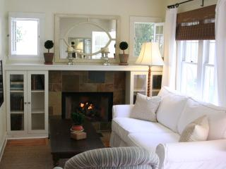 Cottage Bungalow off Montana Ave - Santa Monica vacation rentals