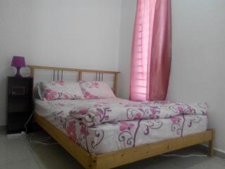 Bandar Sri Sendayan Homestay Seremban 2 - Port Dickson vacation rentals
