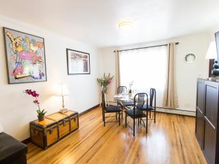 MANHATTAN just mins away... - New York City vacation rentals