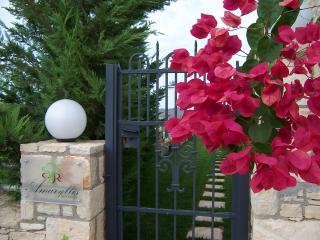 Romantic Amaryllis Stonehouse in Crete - Melissourgakion vacation rentals
