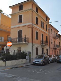 Ariann Cocò s Home - San Benedetto Del Tronto vacation rentals