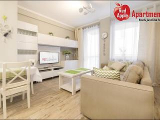 Sublime Wileńska 2 Bedroom Apartment: Warsaw - Warsaw vacation rentals