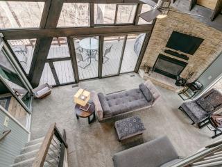 Romantic Luxury Spa Chalet - Innsbrook vacation rentals