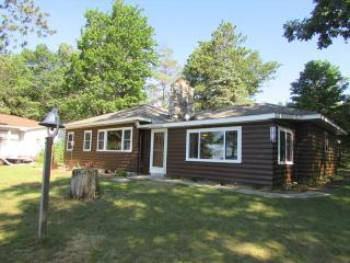 Fond Memories - Oscoda vacation rentals