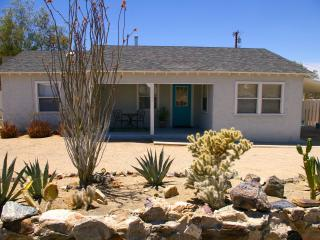 Adorable Bungalow - Fully Furnished with TV & WiFi - Twentynine Palms vacation rentals