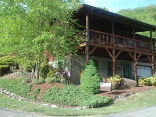 AUG.- OCT. AVAILABLE DATES, SLEEPS 8, PET FRIENDLY - Maggie Valley vacation rentals