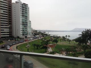 4 bedroorm awesome ocean view furnished/equipped - Lima vacation rentals