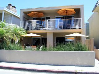 Ocean View! 30 Seconds to Beach/Bikes/Garage/Wifi - Newport Beach vacation rentals