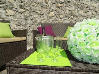 COMFORTABLE APARTMENT IN THE CENTER - Riva Del Garda vacation rentals