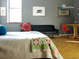 Apartment/Flat in St. Louis, at Perry's place - Saint Louis vacation rentals