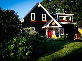 Beautiful Country Cottage in St.Margaret's Bay - Halifax vacation rentals