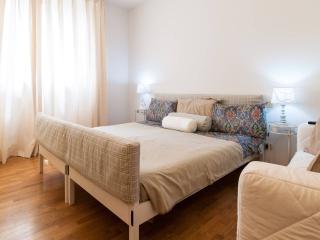 Great base for visiting Milan, Como and the Lakes - Busto Arsizio vacation rentals