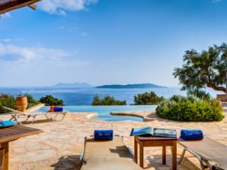 Villa Anatoli - Luxury seafront villa with private pool and jacuzzi - Sivota vacation rentals