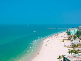 Adorable One Bedroom Cottage 1/2 blk from Beach! - Fort Myers Beach vacation rentals
