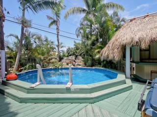 Tropical Paradise, hot tub and heated pool - Fort Lauderdale vacation rentals