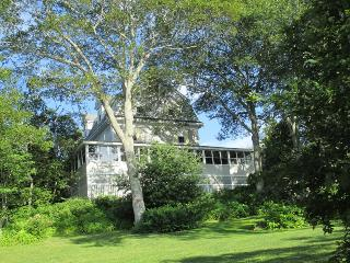 CAPTAIN`S QUARTERS ON LINEKIN BAY | EAST BOOTHBAY | LINEKIN BAY | DOCK & FLOAT | BEAUTIFUL CAPTAIN'S HOUSE | OCEAN FRONT WITH VIEWS & ACCESS - Boothbay vacation rentals