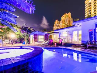 Seaside Breeze Beach Paradise: 4 Bedrooms, 4 Baths - Fort Lauderdale vacation rentals