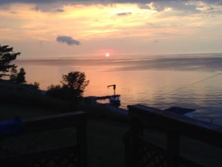 sunset cove 2 Lake Erie Beach House - Geneva on the Lake vacation rentals