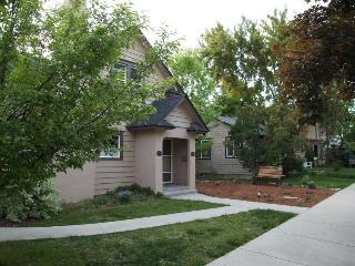 Upstairs loft near Hyde Park & Camel's Back Park! - Boise vacation rentals