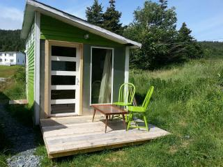 EAST COAST NEWFOUNDLAND BUNKY BY THE SEA - Tors Cove vacation rentals