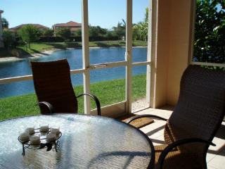 Vacation rental ten auto minutes from the beach. - Fort Myers vacation rentals
