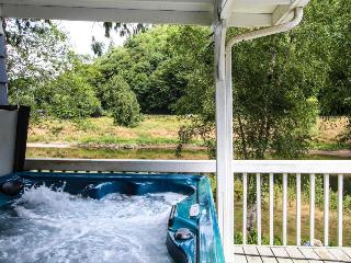 The River Queen - Mapleton vacation rentals