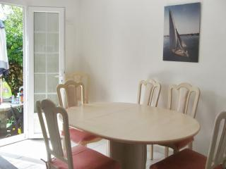 Seaside villa near the Frontignan marina with air con and BBQ terrace, 30m from the beach! - Frontignan vacation rentals