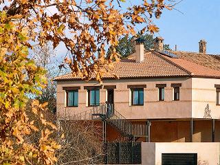 Spacious house in Ciudad Real province w/ air con, WiFi & splendid views of Cabañeros National Park - Navas de Estena vacation rentals