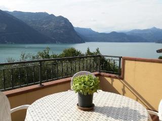 Appartamento Montisola - Monte Isola vacation rentals