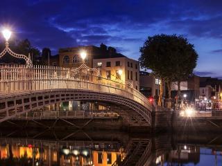 Fantastic City Center Apartment, WiFi, Laundry - Dublin vacation rentals