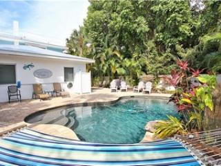 Pool - Sandy Pants - 133 White Ave - Holmes Beach - rentals