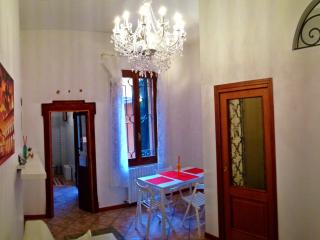 Palazzo San Vitale very central 100mt from 2Towers - Bologna vacation rentals
